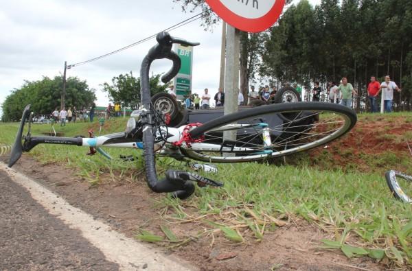 Infelizmente mais um de nós se foi… Ciclista morre após ser atingido por um carro em SP | PraQuemPedala