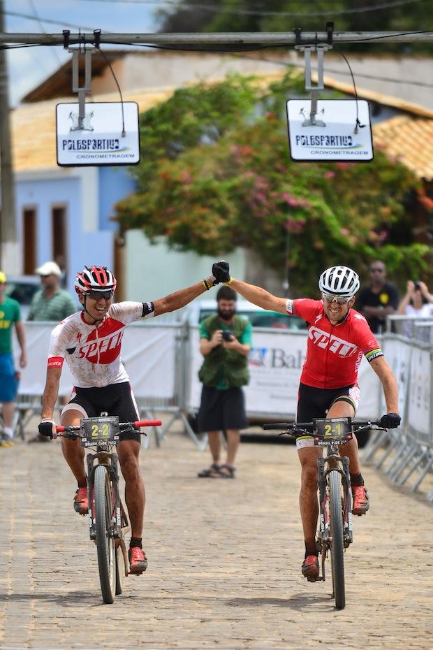 Vitória da equipe Specialized com o campeão mundial  David Santos Jr. / Brasil Ride