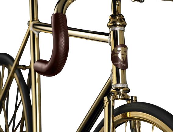 8553bbc4b60 Aurumania Bike  Banhada a Ouro 24 quilates e 600 pedras Swarovski  E ..
