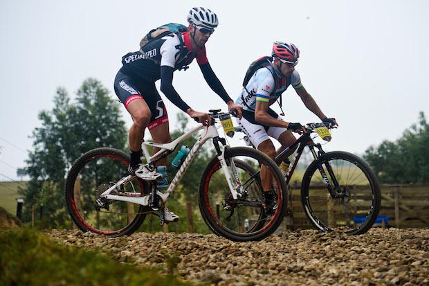 Ricardo Pshheidt (campeão) a frente de Orlando Alves Foto: Alexandre Cappi / Brasil Ride