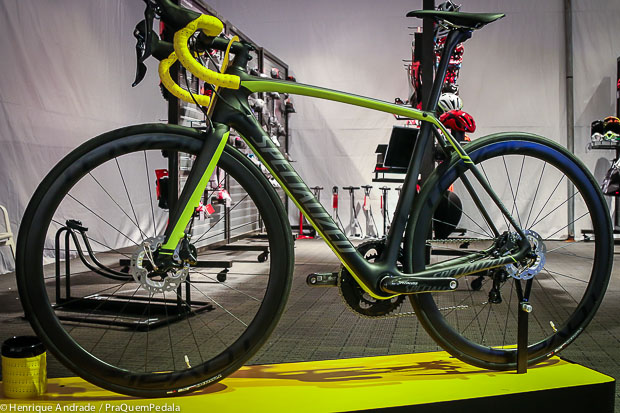 Specialized_Tarmac_Disc_2015-1