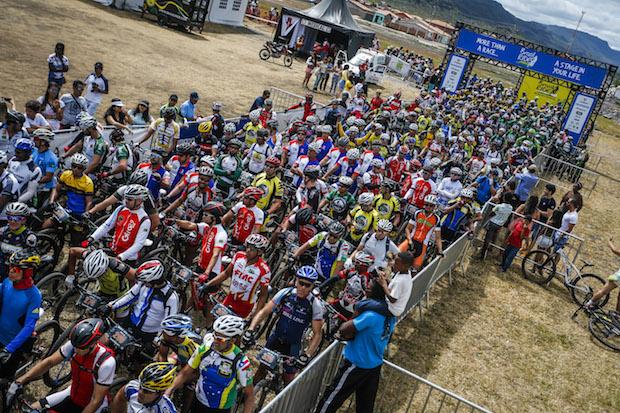 Largada com cerca de 1 mil ciclistas no encerramento da Brasil Ride  Fabio Piva / Brasil Ride