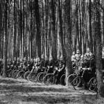 Treinamento de soldados alemães antes da guerra. Durante a guerra os alemães utilizaram cavalaria na invasão da Bélgica, mas a bike foi testada para ver se era uma opção viável para o ataque.Imagens: Joe Robinson