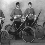 Fuzileiros britânicos em uma ilustração pré-guerra.Imagens: Joe Robinson
