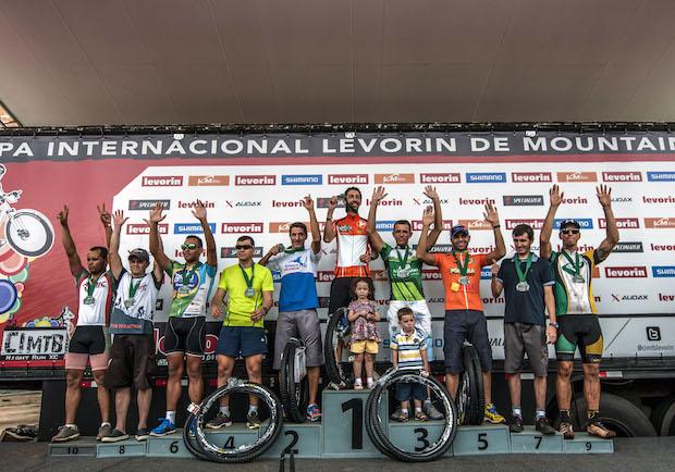 Pódio da Copa LM Bike de Amadores em Araxá Foto: Rodrigo Zaim / Ag. Laborazoli