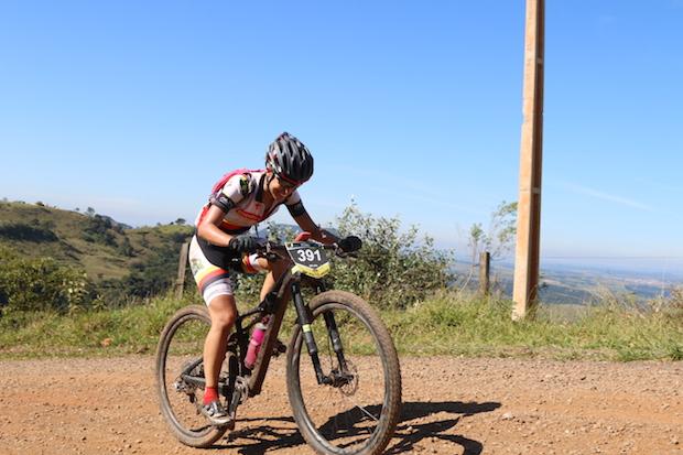 Viviane Favery durante a última etapa. Foto: LD/PraQuemPedala