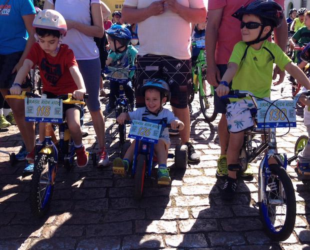 Lucas e seu triciclo Foto: ZDL/Divulgação