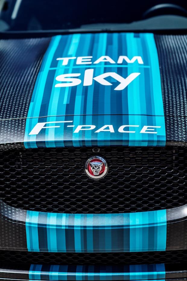 Jaguar_FPace_Tourde France_02