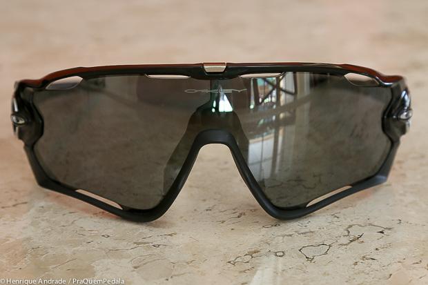 Testado   Óculos Oakley Jawbreaker – PraQuemPedala 13ab6e936c