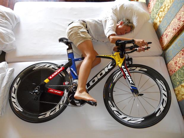 Ciclista_Dormindpo