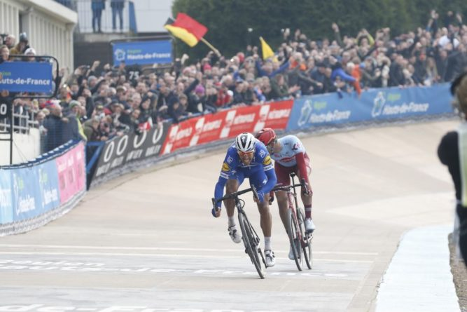 Philippe Gilbert vence Paris-Roubaix