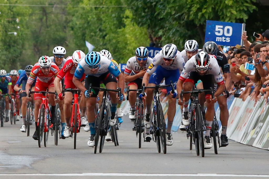Fernando Gaviria vence a etapa 4 da Volta a San Juan 2020. (Foto: Getty Images Sport)